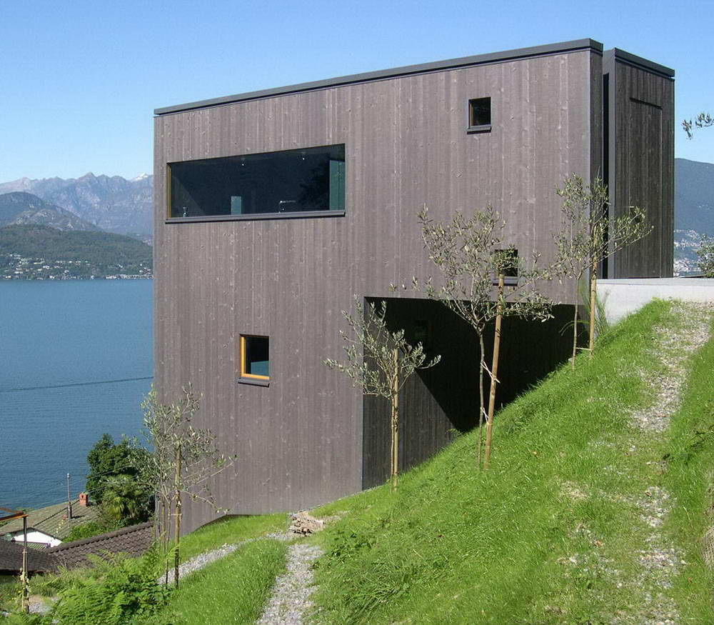 <strong>Maison grise à Caviano, Suisse<span><b>Architecture</span></strong><i>→</i>