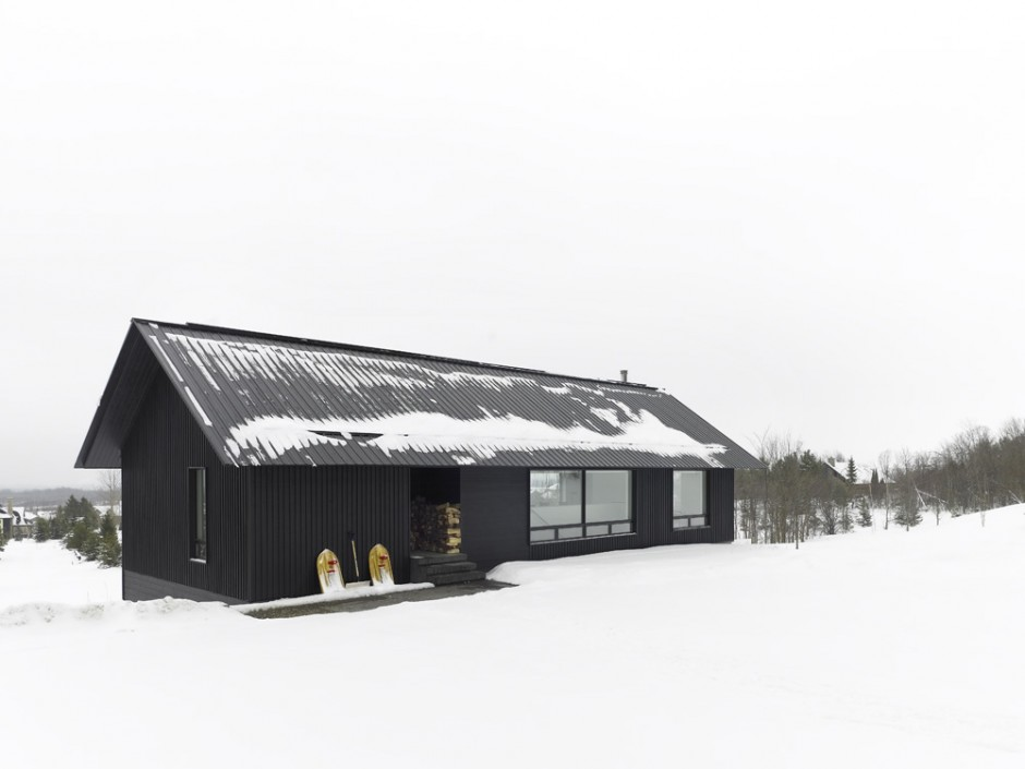 <strong>Chalet au Canada par AKB<span><b>Architecture</span></strong><i>→</i>