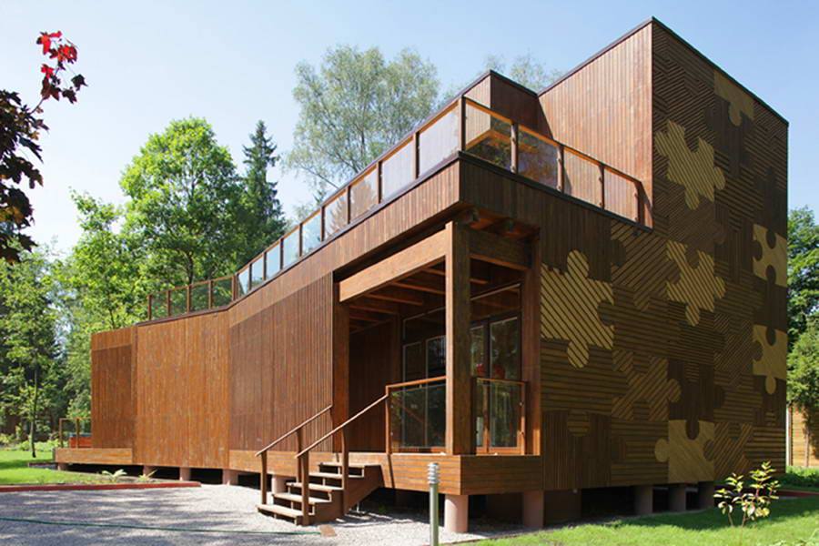 <strong>Maison-puzzle en bois, Russie<span><b>Architecture</span></strong><i>→</i>
