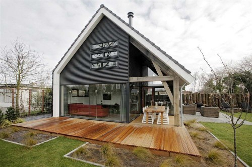 Maison renesse par bongers architecten bv hollande for Simple modern wood house