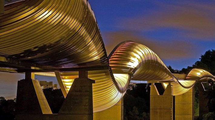 <strong>Le pont Henderson Waves – RSP Architects<span><b>Architecture</span></strong><i>→</i>