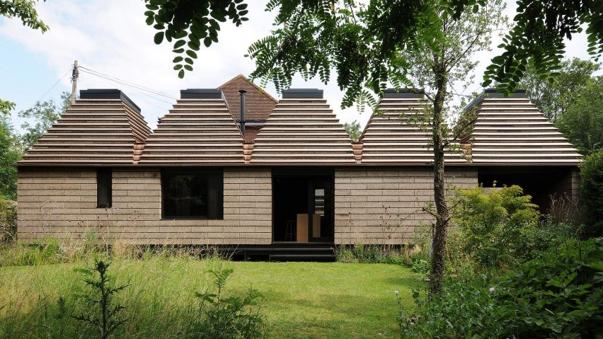 <strong>Cork House<span><b>Architecture</span></strong><i>→</i>